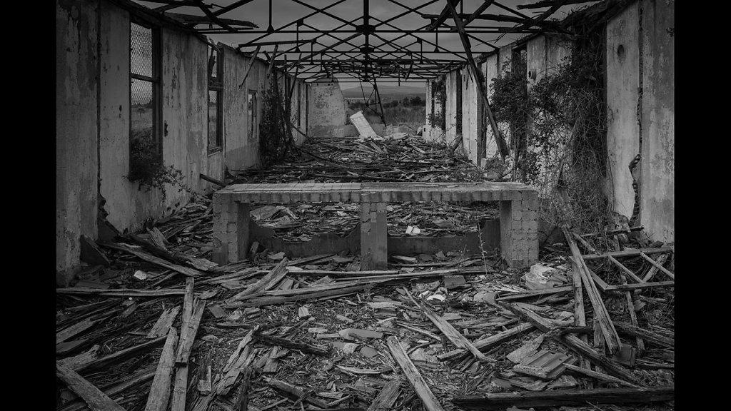 """""""Le temps n'efface pas les erreurs""""  Photos / Michel Handschumacher   Musique / Bruno Fleutelot"""