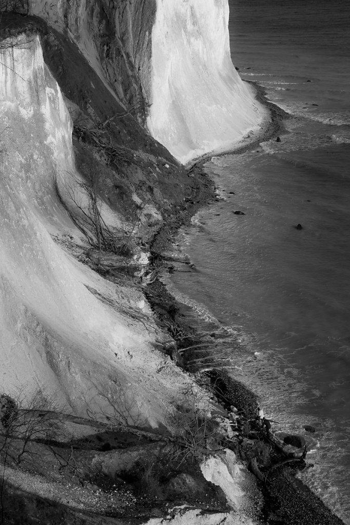 Les larmes silencieuses de la falaise 9