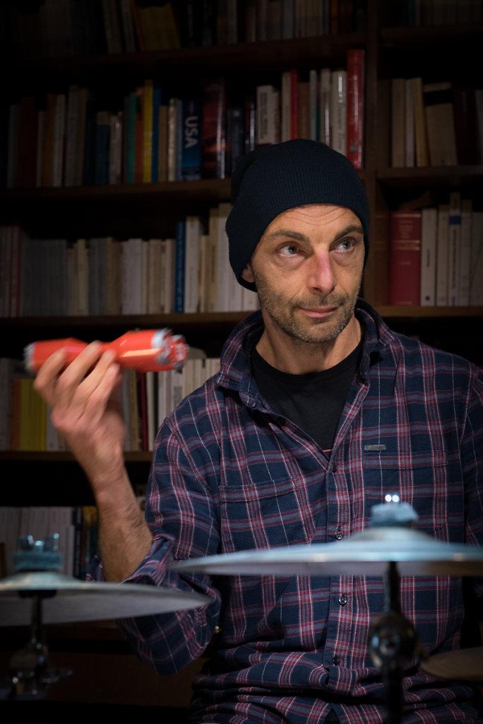 Le pouvoir du chat - Romain Tisserant : Arrangements, batterie et percussion #13